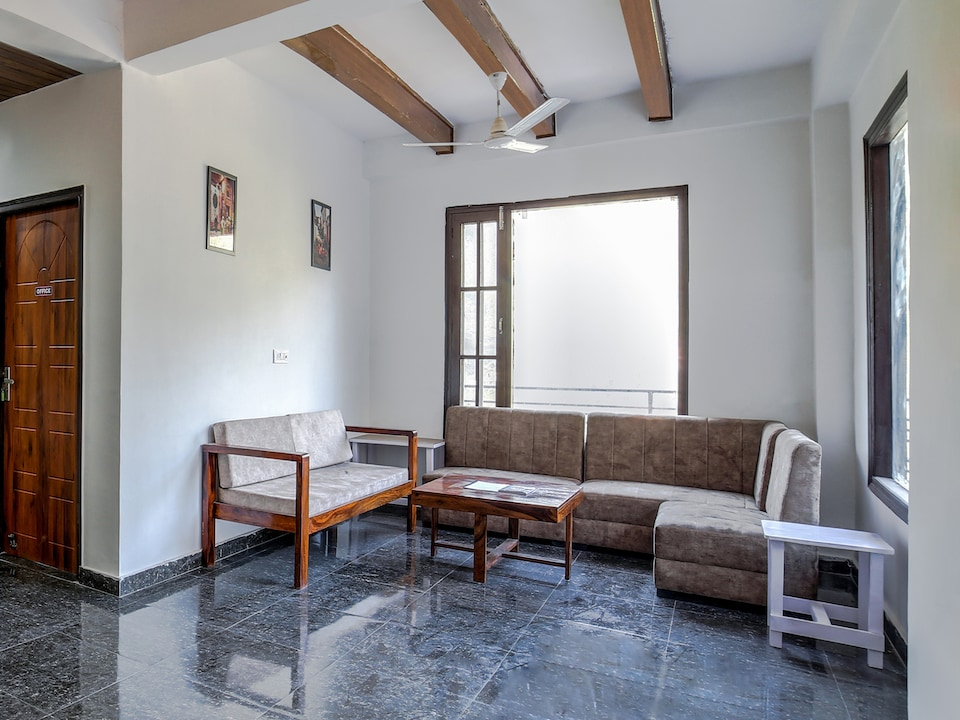 Belvilla 1BR Modern Studio rooms with Balcony, Swimming Pool and Valley View
