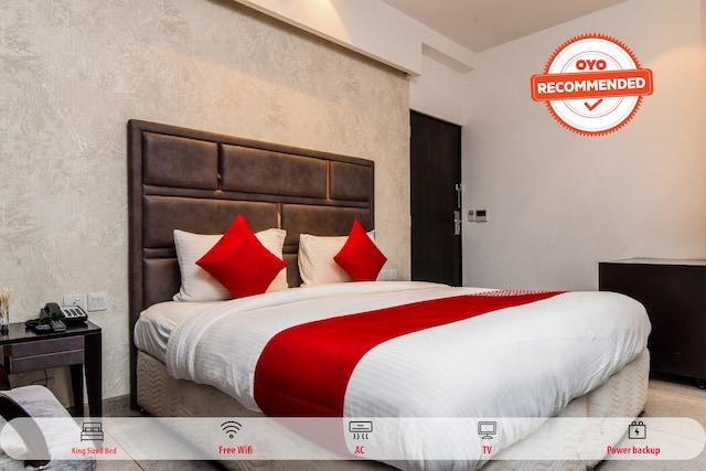 OYO 79963 Collection O Hotel Tisya
