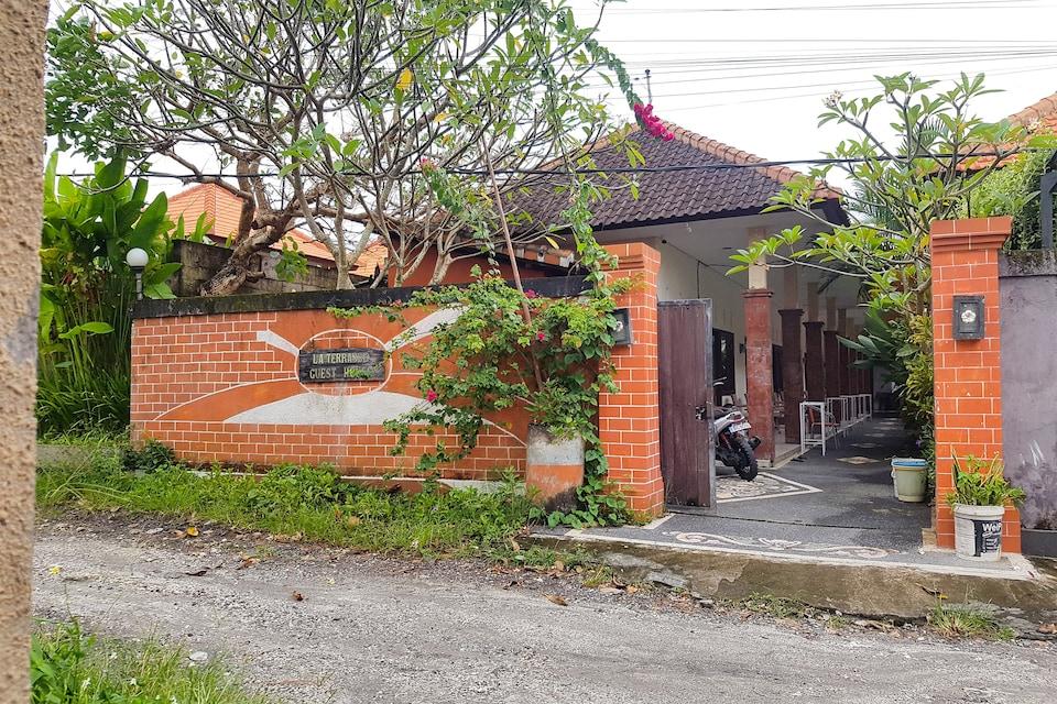 OYO 90362 Laterrasse Guest House, Canggu, Bali