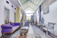 OYO 90363 Nira Guest House Sanur Bali