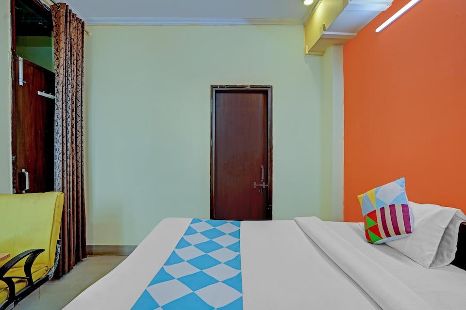 OYO 79997 Flagship Hotel Admire Homes, Noida City, Noida