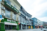 OYO 90231 Hotel By The Park Plt