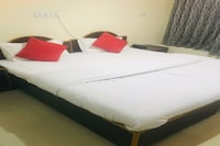 OYO 80027 Hotel Raj Palace