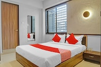 OYO 80056 Hotel Unique Palace