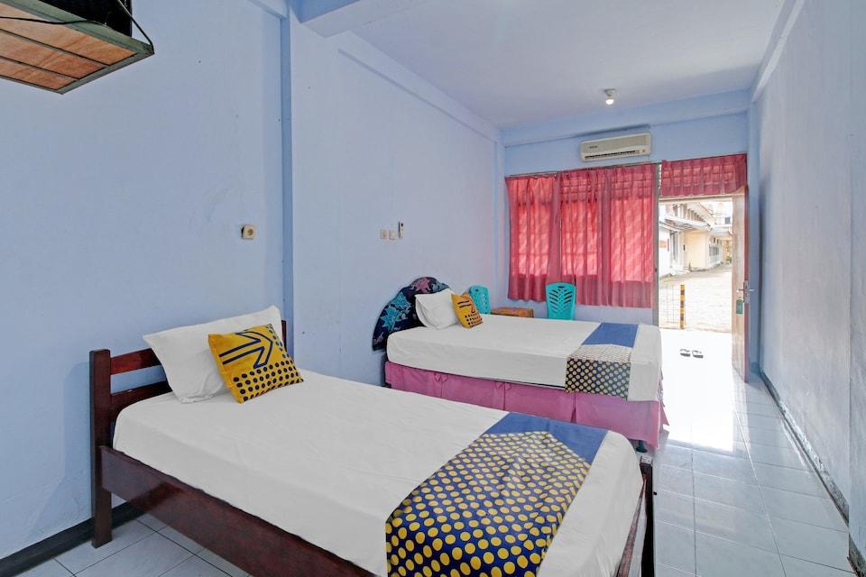 SPOT ON 90372 Hotel Arum Jaya, Mataram, Lombok