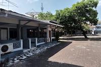OYO 90372 Hotel Arum Jaya