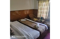 Belvilla Mahin Cottage modern deluxe 1Br with garden view and living room