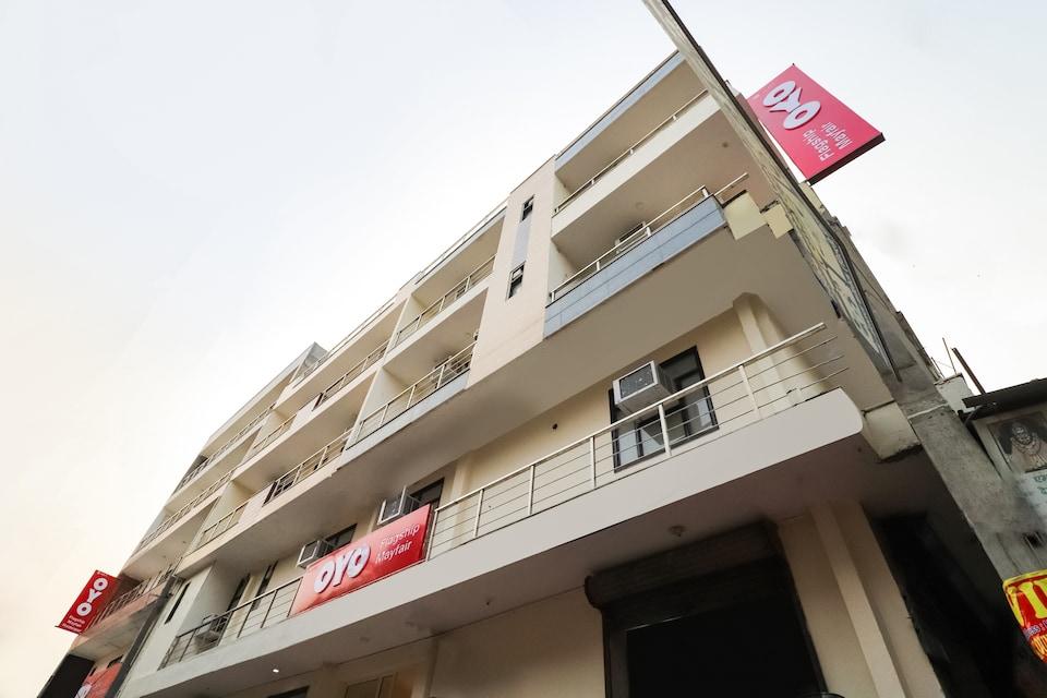 OYO Flagship 80101 Mohit Plaza, Pitampura - Rohini Delhi, Delhi