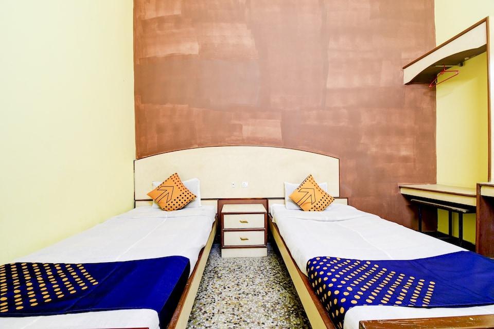 SPOT ON 80135 Gopala Residency