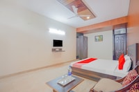 OYO 80151 Hotel Platinum Inn