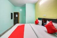 OYO 80203 Hotel Cozy Inn