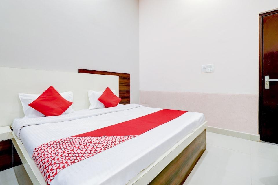 OYO 80269 Kishan Hotel & Restaurant, Corporate Complex, Agra