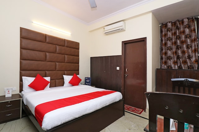 OYO 6706 Hotel New Sunder Residency