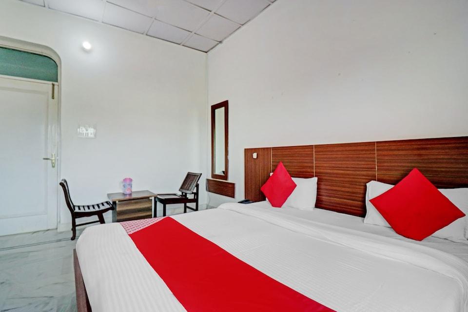 OYO 80375 Raj Palace, Dharamshala, Dharamshala