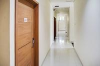 OYO 90394 Guest House Sentosa