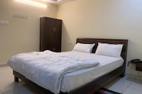 OYO 80417 Hotel R Grand