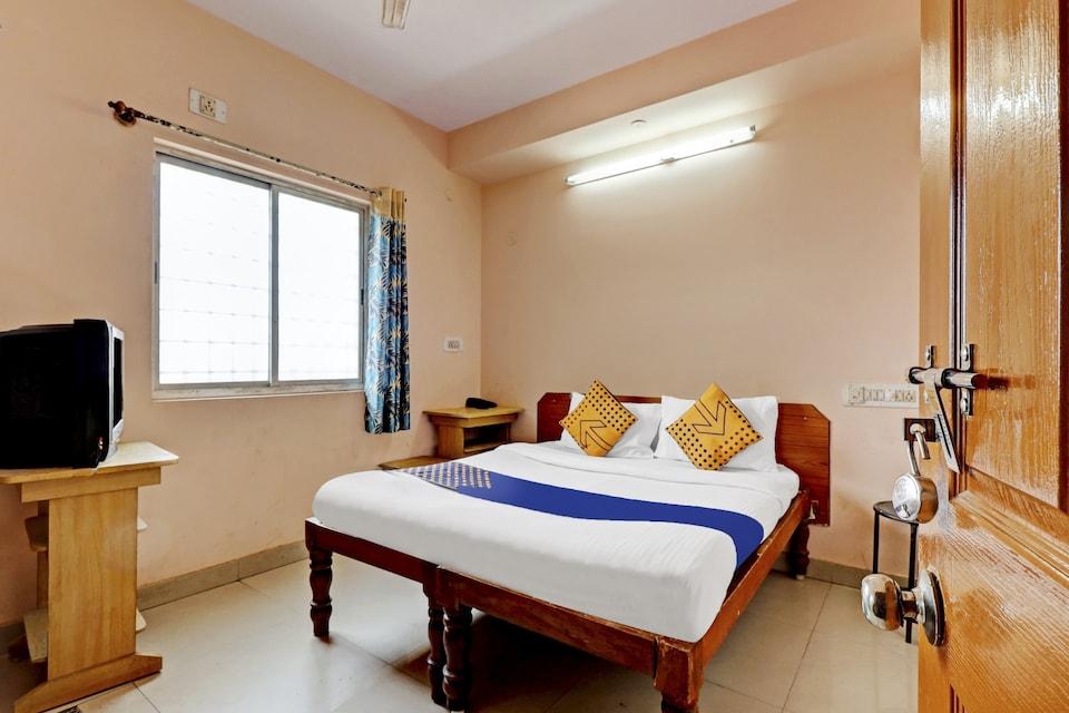 SPOT ON 80454 Janapriya Lodge, Yeshwantupur Bangalore, Bangalore