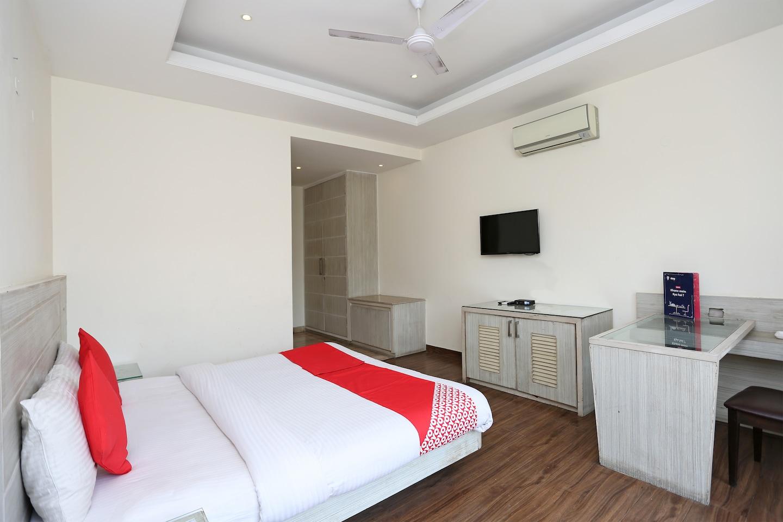 OYO 1007 Hotel Villa 24 Gurgaon - Gurgaon Hotel Reviews, Photos