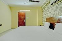 OYO 80467 Sai Silverline Hotel