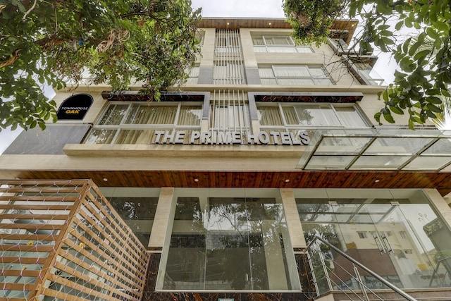 Townhouse OAK Hotel Prime