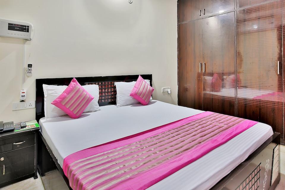 OYO 6720 Hotel Green Palace