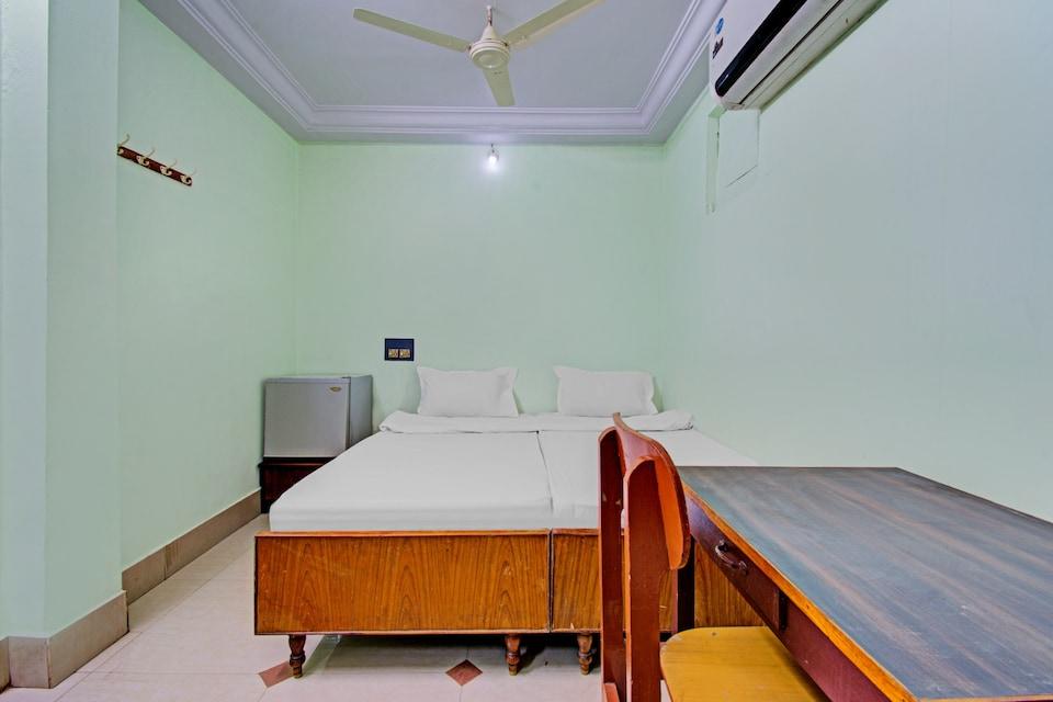 OYO 80532 Decent Residency, Ramaraopet Kakinada, Kakinada