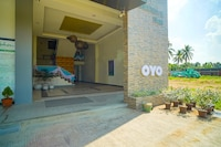 OYO 785 The Greenhive Hotel