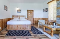 Belvilla 1BR Traditional and Premium Farmstay with mountain views