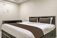 OYO 80574 Collection O Staro Hotel
