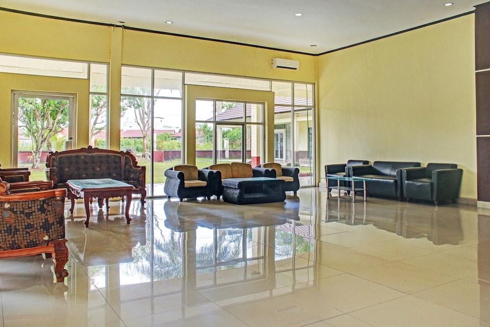 OYO 90423 Hotel Aman, Palangkaraya, Palangkaraya