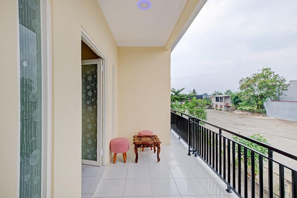 OYO 90424 Kangen House