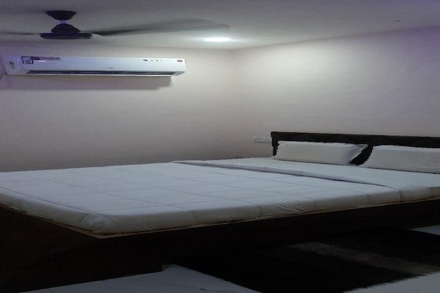 OYO 80612 Hotel Sandeep