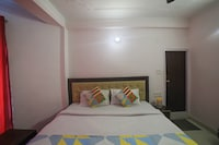 OYO Home 80628 Cozy Studio Near Mall Road