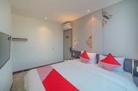 OYO 90447 Kardopa Hotel Megapark