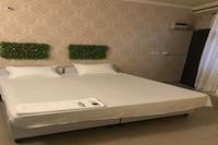 OYO 80678 Shreenath Residency