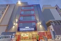 OYO Townhouse 500  - CBM RESIDENCY
