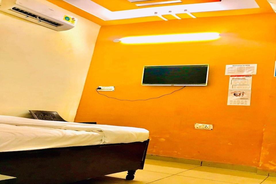 OYO 80749 Hotel The Glory Palace, Faridabad, Faridabad