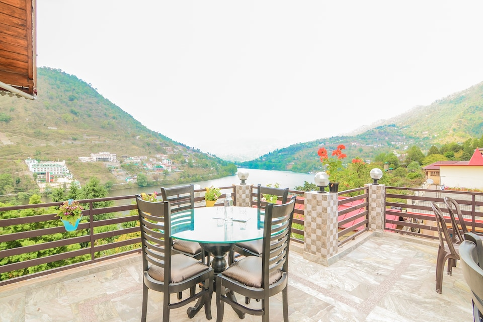 OYO Home 80757 Luxurious Stay Bhimtal, Highcourt Nainital, Nainital