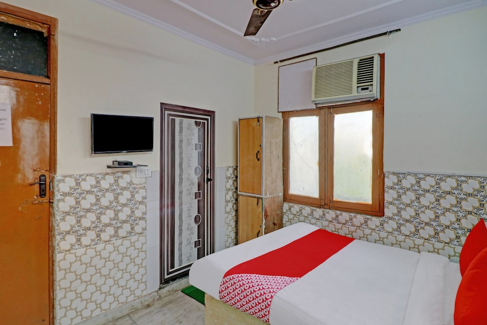 OYO 80768 Sai Chhaya  Hotel , Anand Vihar Delhi, Delhi