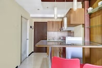 OYO 90465 Ars Ira Property The Suites Metro