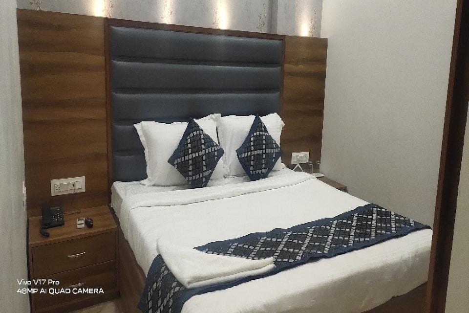 OYO 80800 Hotel Royal Mg, Bus Stand Ludhiana, Ludhiana
