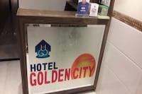 OYO 80805 Hotel Golden City