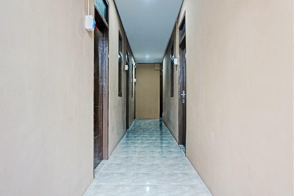 OYO 90469 BENHIL KARET TENGSIN, Tanah Abang, Jakarta