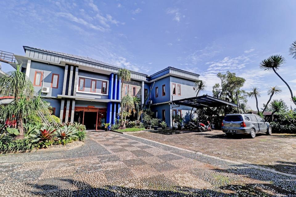 OYO 90475 Mirda Gratia Hotel , Cianjur Puncak, Puncak Cipanas