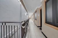 OYO 90477 Kedung Anyar Residence