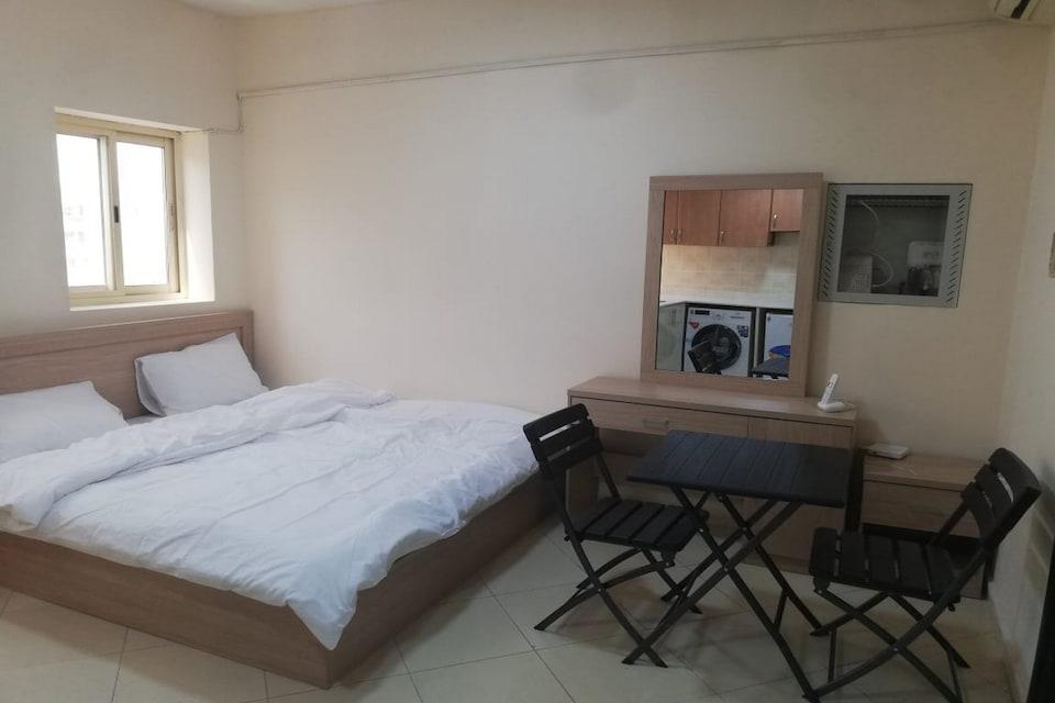 OYO 699 Home mazil naif, Deira, Dubai