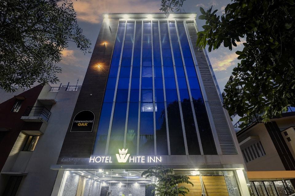 Townhouse OAK White Inn, BTM Madiwala Bangalore, Bangalore