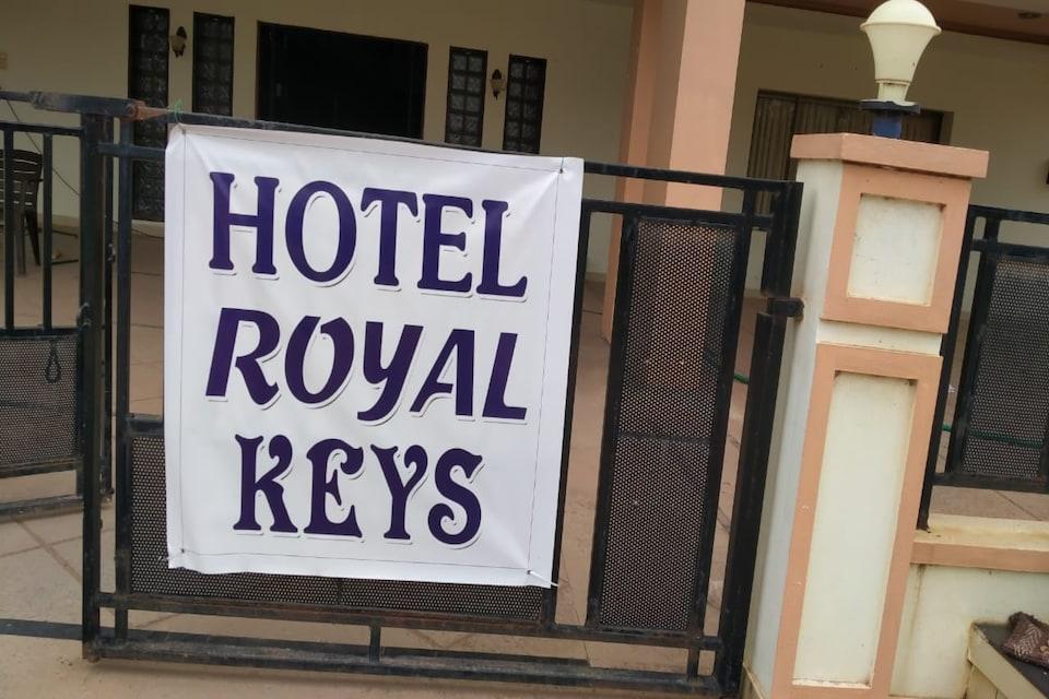 Capital O 80910 Royal Keys, Ramaraopet Kakinada, Kakinada