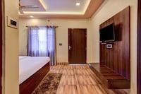 OYO Collection O 80929  Roadside Inn