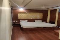 SPOT ON 80956 Hotel Radhee Milan